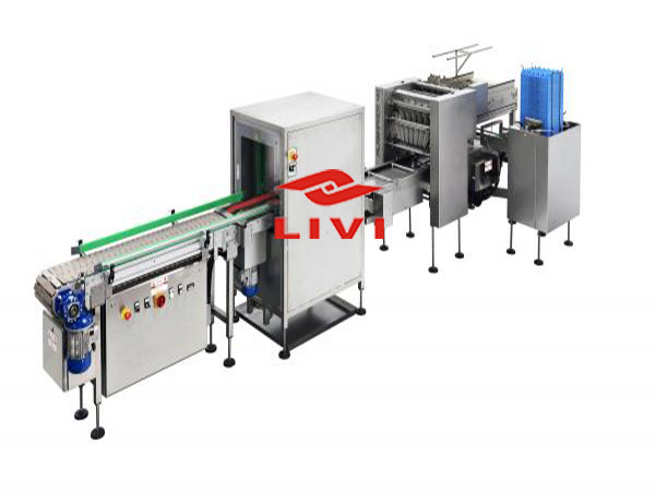 Egg processing equipment have many different types for laying hens.